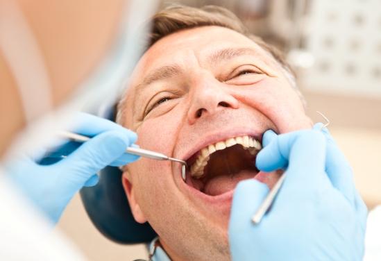 Дискомфорт после протезирования зубов, что делать если болят зубы?